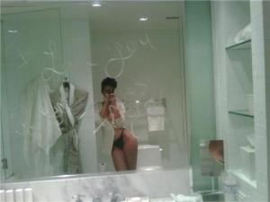 rihanna nude photos