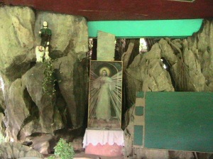 Kalinawan Chapel--church made out of a cave