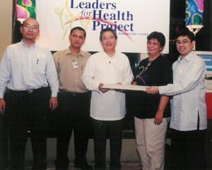 """Pfizer Gen. Manager Albert G. Mateo Jr. reportedly """"bribed"""" govt, says Enrile"""